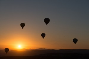 hot-air-ballooning-436442_1280